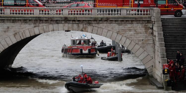 Policière disparue dans la Seine à Paris: les recherches ont repris