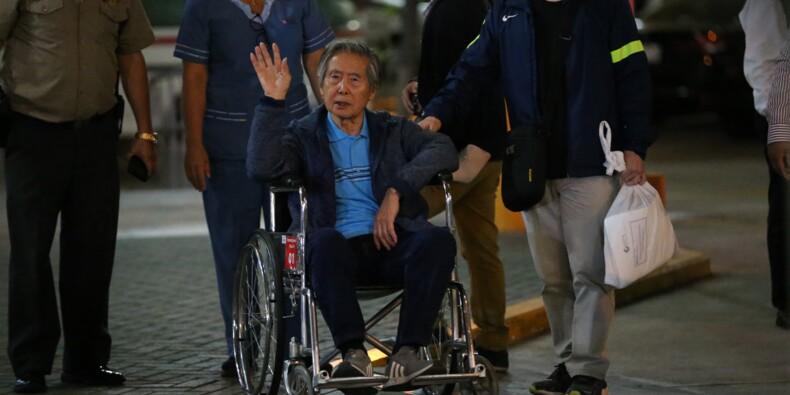 Pérou: Fujimori ressort libre de la clinique après une grâce controversée