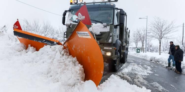 Espagne: l'armée au secours d'automobilistes piégés par la neige