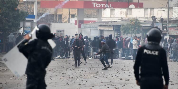 4ème nuit de contestation contre la vie chère et l'austérité en Tunisie