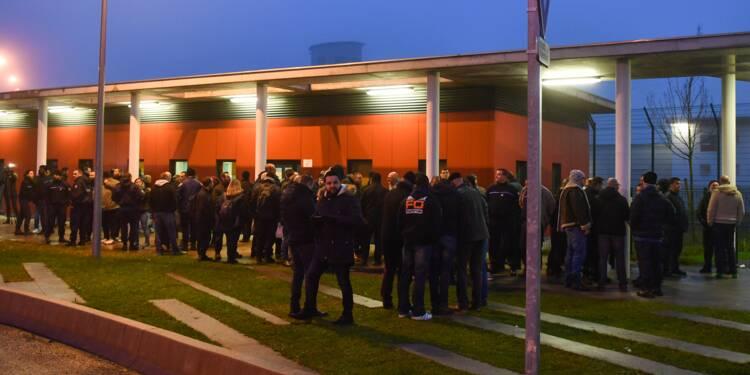 Agression à Vendin-le-Vieil: les syndicats des gardiens de prison demandent le départ du directeur