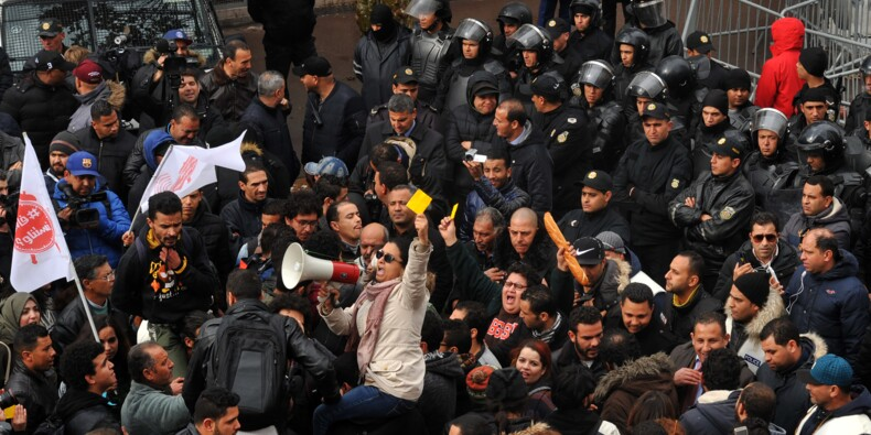 La Tunisie marque le 7e anniversaire d'une révolution inaboutie