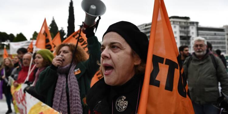 Grèce: un nouveau train de réformes adopté malgré les grèves et manifestions
