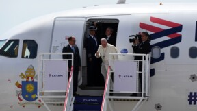 Pérou: le pape poursuit son voyage rythmé par la polémique