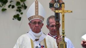 Chili: le pape poursuit son voyage rythmé par la polémique