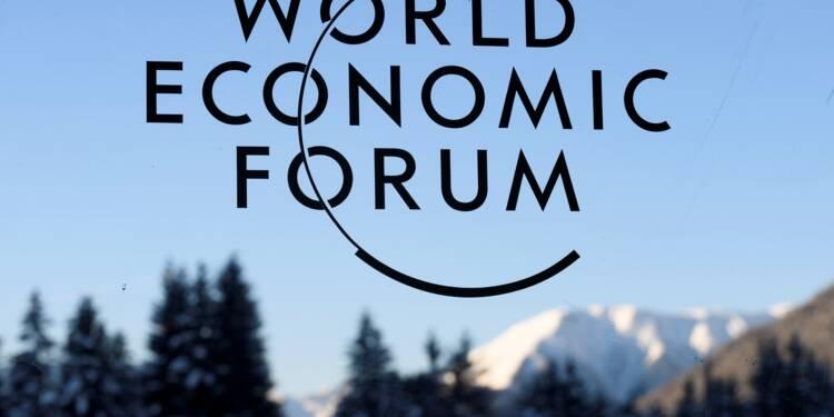 De Versailles à Davos, la double offensive de Macron auprès du gotha économique mondial