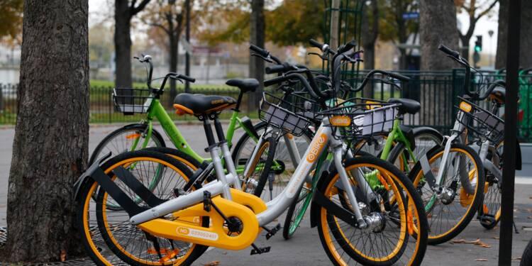 """A Paris, les """"vélos flottants"""" veulent résister malgré vandalisme et incivilités"""