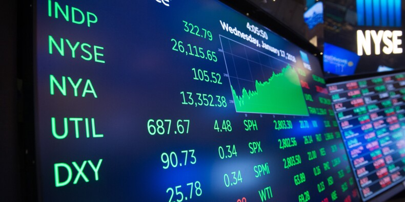 Wall Street termine sur une note positive une semaine tumultueuse