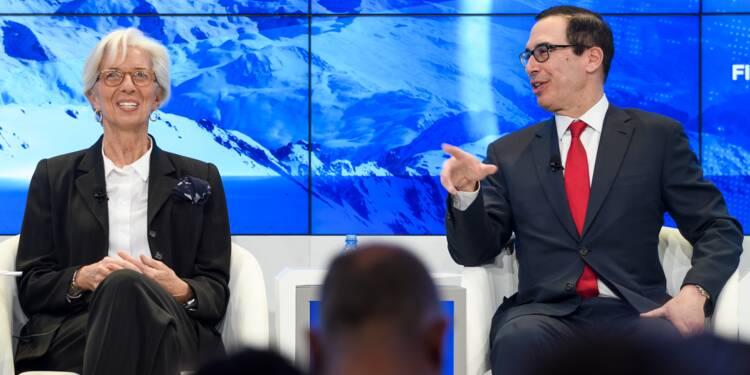 """Dollar faible: Washington """"pas préoccupé"""", Paris sur ses gardes"""