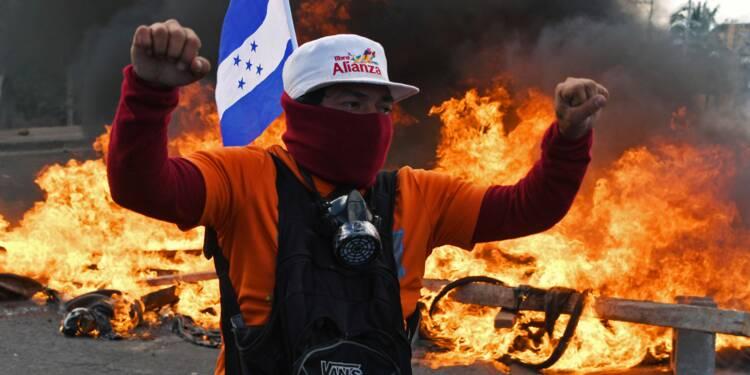 """Honduras: prise de fonction de """"JOH"""", l'opposition dans la rue"""
