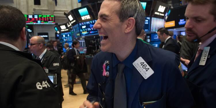 Wall Street termine en baisse, lestée par les taux d'intérêt