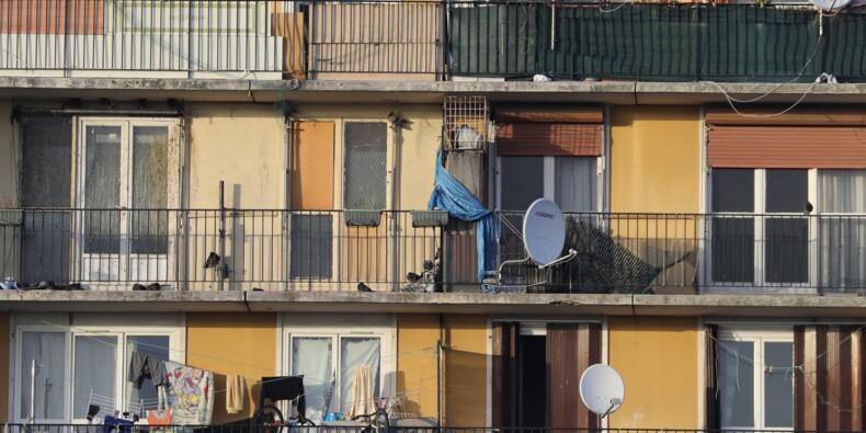 Le gouvernement appelé à agir contre les logements surpeuplés