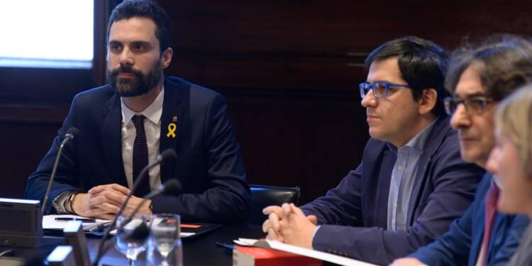 Catalogne: investiture de Puigdemont ajournée, bras de fer en vue