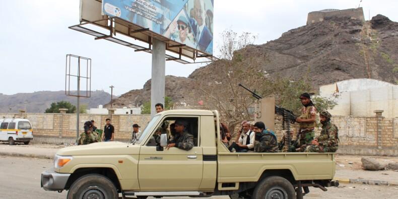 Yémen: des séparatistes encerclent le palais présidentiel à Aden