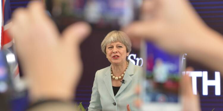 Theresa May arrive en Chine, l'après-Brexit en tête