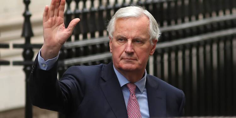 "Brexit: Michel Barnier presse Theresa May de ""faire un choix"""