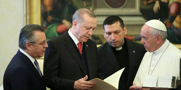Le pape et Erdogan parlent de Jérusalem, des Kurdes manifestent leur colère