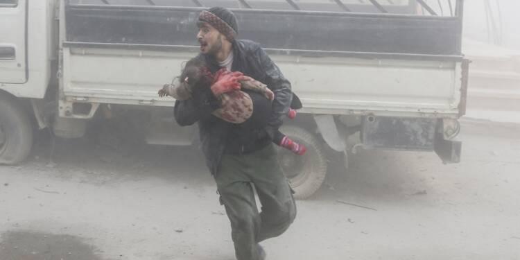 Au moins 70 civils tués dans de nouveaux raids du régime près de Damas