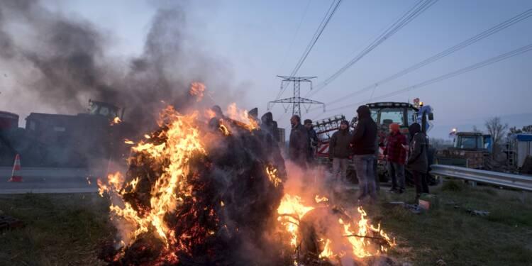 """Zones défavorisées: """"la colère monte"""", les agriculteurs bloquent Toulouse"""