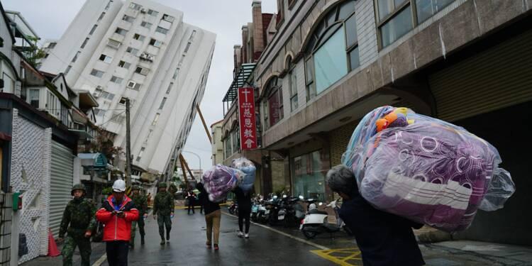 Les recherches se poursuivent après le séisme taïwanais, dix morts