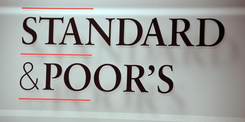 """Standard and Poor's relève la perspective de la note de la dette de la Grèce à """"positive"""""""
