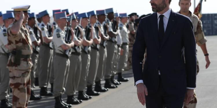 Aux Emirats, Edouard Philippe vante la hausse du budget des armées