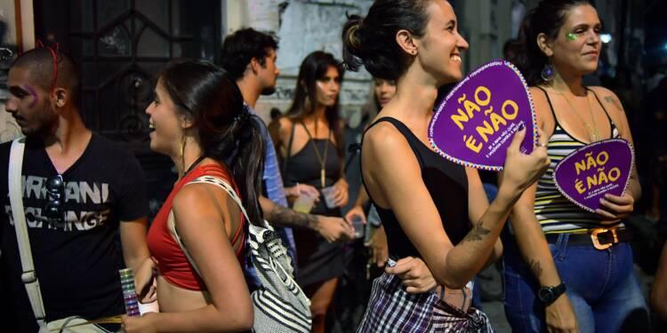 """""""Non c'est non"""": les femmes contre le harcèlement au carnaval de Rio"""