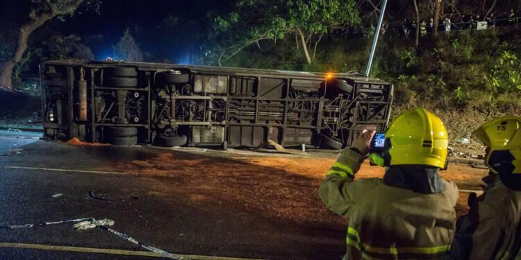 Hong Kong: Une enquête ouverte sur l'accident de bus qui a fait 19 morts