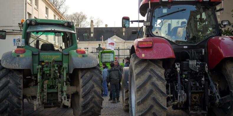 Zones défavorisées: les agriculteurs organisent des blocages à Orléans, Vierzon, Pau, Auch