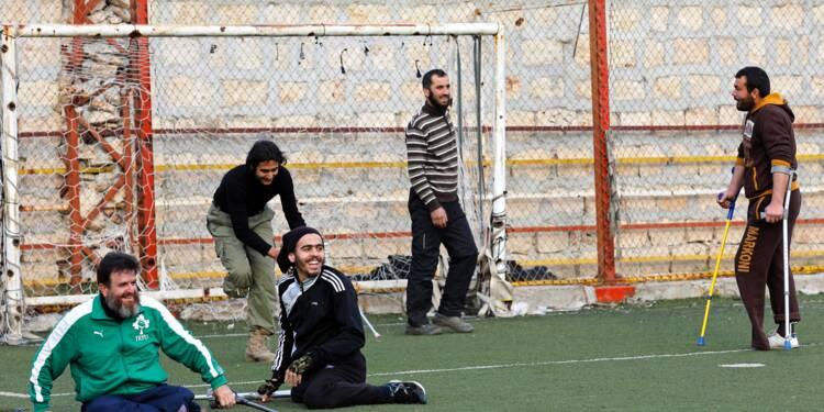 En Syrie, le football redonne goût à la vie à des amputés de guerre