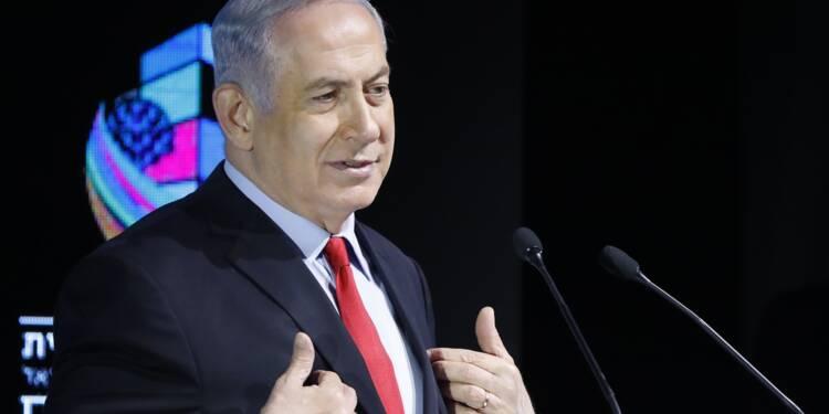 """Menacé d'inculpation, Netanyahu assure que son gouvernement est """"stable"""""""