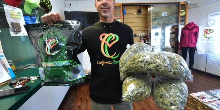 Etats-Unis : ces dealers reconvertis en vendeurs de cannabis légal