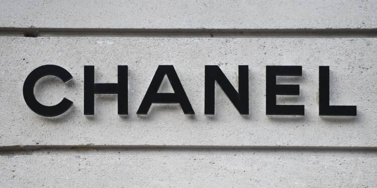 acee311bdbd4 Luxe  Chanel signe un partenariat avec la plateforme de vente en ligne  Farfetch