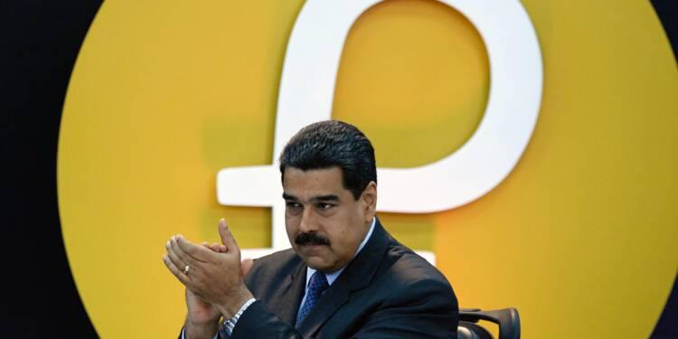 """Le Venezuela annonce des """"intentions d'achat"""" de 735 millions de dollars pour sa monnaie virtuelle"""