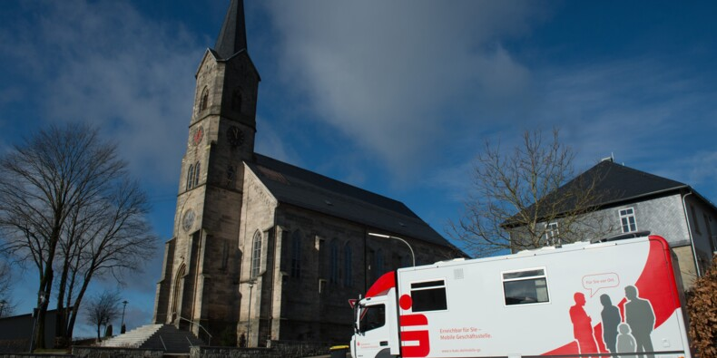 Dans la campagne allemande, la banque tient dans un camion