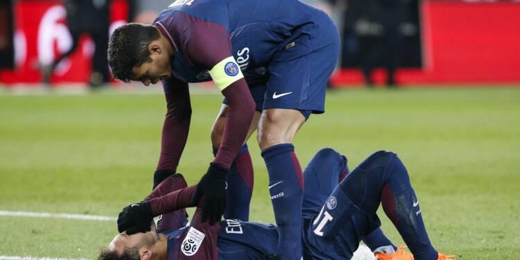 L1: PSG, Neymar sort sur civière contre Marseille, à dix jours du retour contre le Real