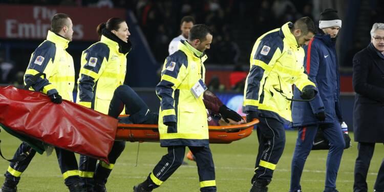 """PSG: """"entorse"""" et """"fissure"""" osseuse pour Neymar, incertain contre le Real (PSG)"""