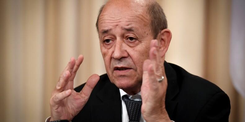"""Le chef de la diplomatie française à Téhéran pour un """"dialogue franc"""""""