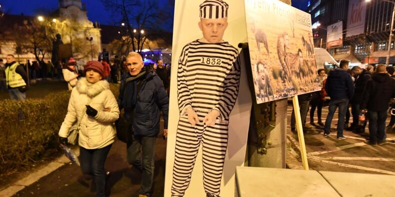 Des dizaines de milliers de Slovaques manifestent contre la corruption