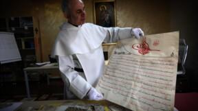 Un prêtre forme des Irakiens à conserver des trésors sauvés à la barbe de l'EI
