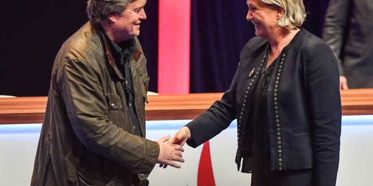 Congrès du FN: Steve Bannon fait siffler les médias et promet la victoire