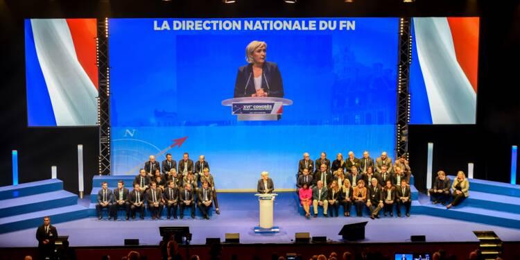"""Du """"Front"""" au """"Rassemblement"""", Marine Le Pen veut raviver la flamme de la droite nationale"""