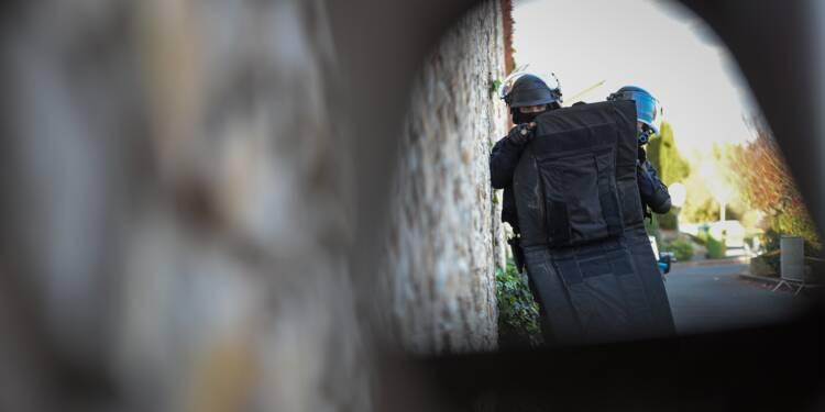 Grenoble: cinq suspects arrêtés dans une opération antiterroriste