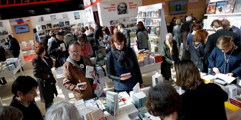 """Le livre français """"très dynamique"""" à l'international... à condition d'être traduit"""