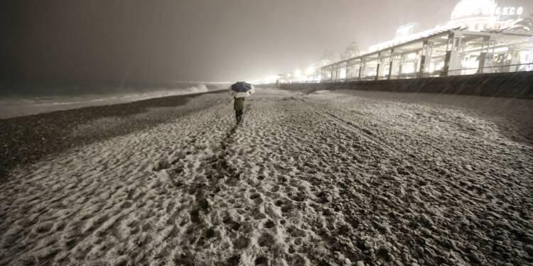 Froid et neige lundi, 9 départements en vigilance orange