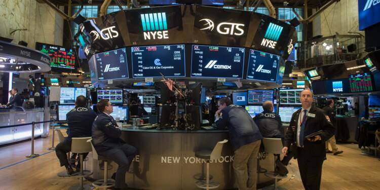 Wall Street termine en hausse, profite d'un bond du pétrole