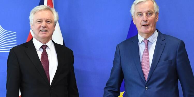"""Brexit: de """"bons progrès"""" dans les négociations entre l'UE et Londres"""