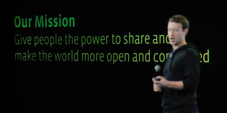 La vision de Zuckerberg pour Facebook menacée par les affaires politiques