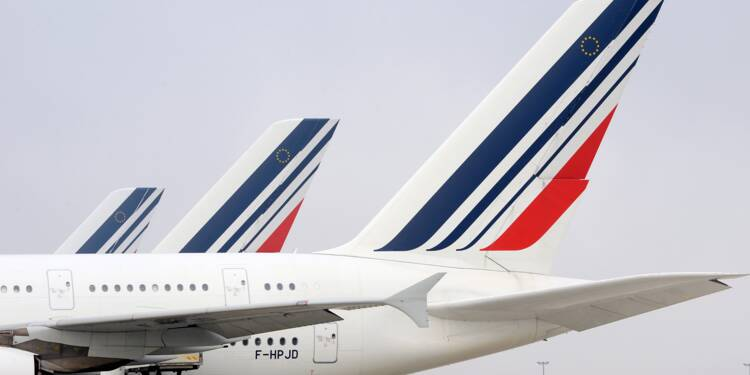 Conflit salarial: un quart des vols annulé vendredi à Air France