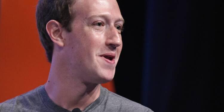 """Le patron de Facebook s'excuse et reconnaît des """"erreurs"""""""